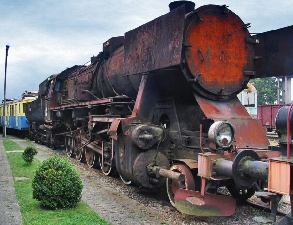 Koscierzyna-skansen-kolejowy-stara-lokomotywa-kaszuby