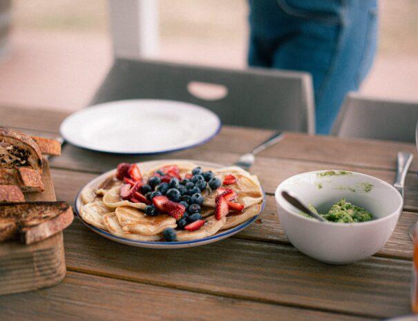 Taras do przygotowywania i spożywania posiłków z pięknym widokiem.